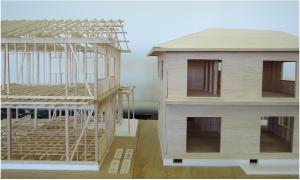 在来軸組(2014年度)とツーバイフォー(2015年度)の模型