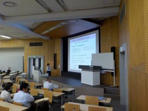 前島彩子准教授による「戸建住宅の安全性どう見極める?」の講義風景